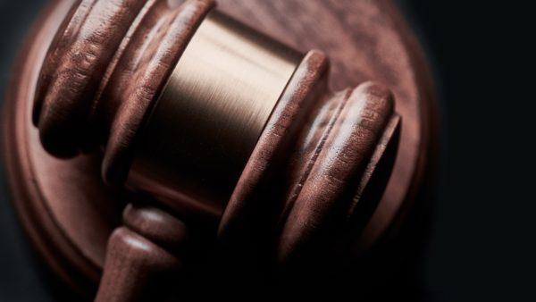 Land stärkt die Justiz